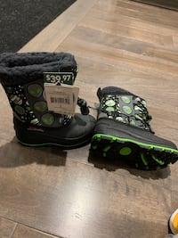 Winter boots/new Burlington, L7P 1E4