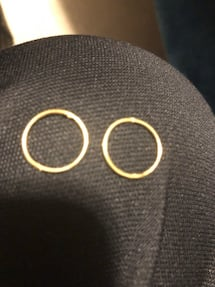 Two round gold and earrings