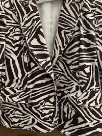 Animal print sz 4 jacket  Alexandria, 22304
