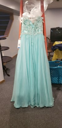 Homecoming/ prom dress Highland, 46322