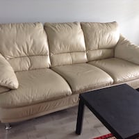 Leather couch/free double size bed  Milton, L9T 5Z4