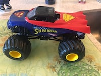 Hot Wheels Monster Jam Superman 1:24 Scale Truck,Large,Super Man Small break on plastic on the bottom. Courtice, L1E 0H5