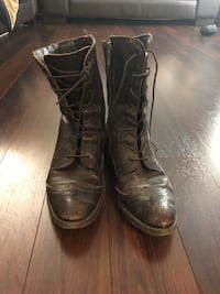 pair of black leather boots Toronto, M1S 0L3