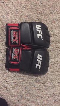 pair of black-and-red UFC gloves Wasaga Beach, L9Z