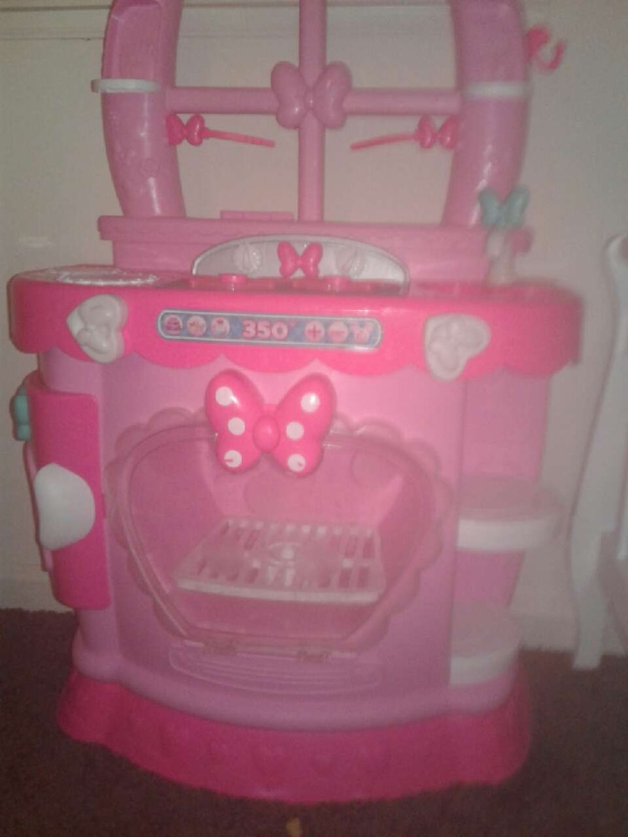 girl's pink and white kitchenette toy