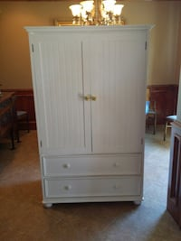 White wooden armoire excellent condition w original knobs