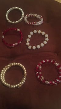beaded red and white braclet lot Bell, 90201