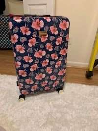 Brand new suitcase Germantown, 20876