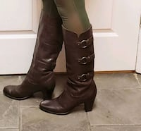 Frye Leather Brown Boots size 9.5 womens Charleston, 29412