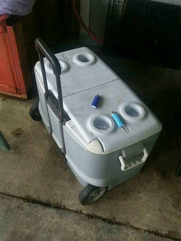Rolling ice chest standard size