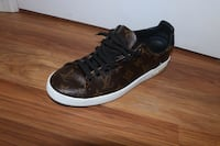 Louis Vuitton front row low cut sneakers New Brunswick, 08903