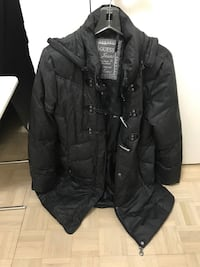 GUESS coat jacket winter size L large Montréal, H4K 2X8