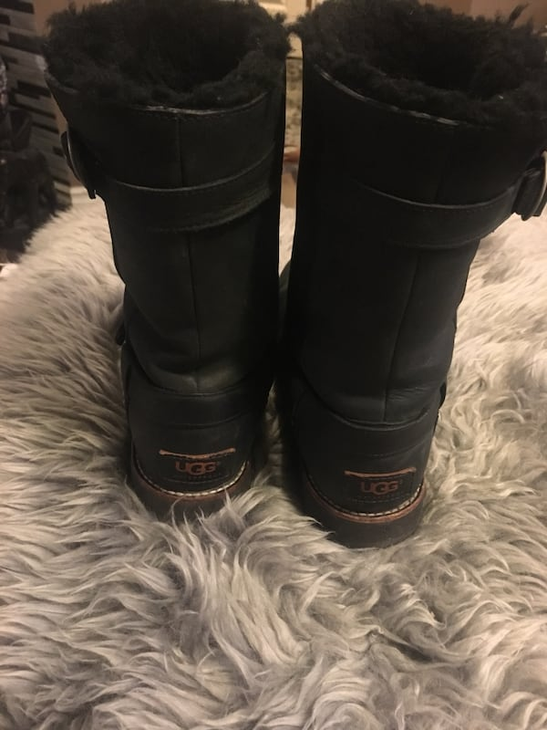 UGG Ladies fall/winter boots size 8 2