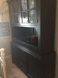 China Cabinet Hutch. Lighted. Excellent condition...negotiable  Lafayette, 70506