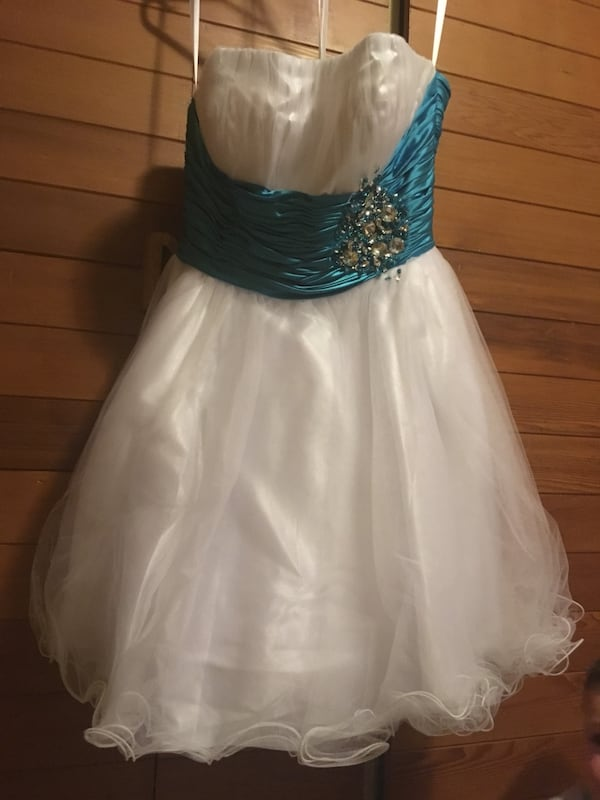 Women's white and blue strapless dress b3d070f8-478a-4a10-b561-fbee1c512846