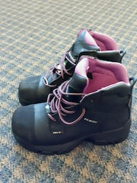 Size 6 steel toe work Boots used once  Richmond, V7A 4L5