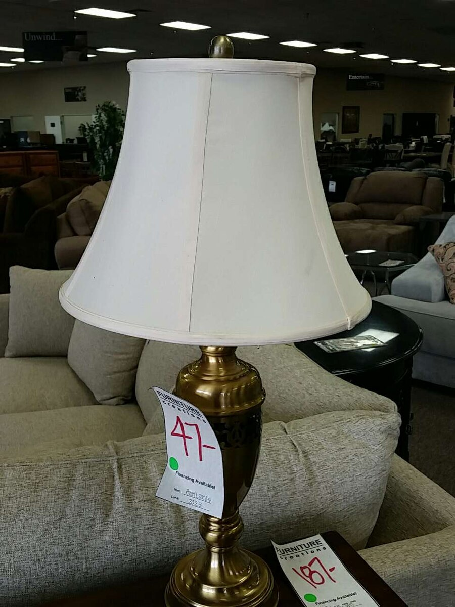 letgo - Gold table lamp in Guadalupe, AZ