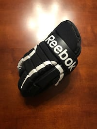 Men's Reebok SC87 hockey gloves. Surrey, V3W 3Y2