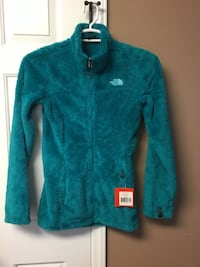 New With Tags North Face Sherpa Fleece Jacket Teal ColorXS. Adults  Raleigh, 27610
