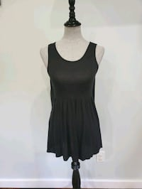 Andreè by Unit flowy top size small