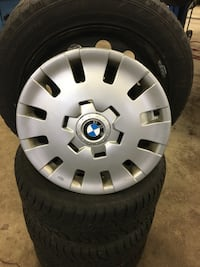 BMW 3Series OEM RIMS AND WHEEL COVERS ON WINTER TIRES 40% good tires  Toronto, M1S
