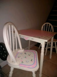 girls all wood table and chairs Elizabeth, 07201