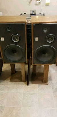 Electro Voice 77's stereo speakers  Westland, 48186