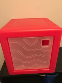 Little tikes storage cube I have 2 $5 each