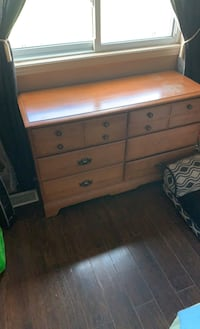 Dresser ok condition missing 1 handle  Ottawa, K0A 1T0