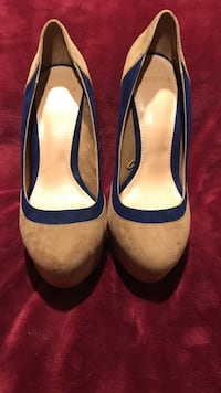 Negotiable! nude and blue suede pumps! no box. size 38! New York, 11101