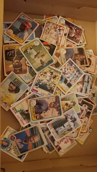 186 Baseball cards from the 80s