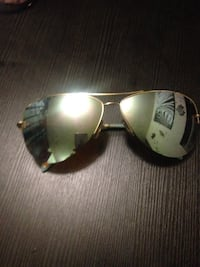 Black framed ray-ban aviator sunglasses Toronto, M1E 4X2