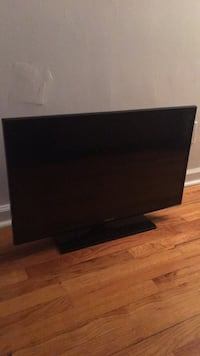 Samsung 32 inch led tv Clifton, 07012