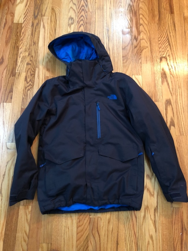 6bae5df04e86 Used The North Face men s gatekeeper snow jacket size M for sale in New  York - letgo