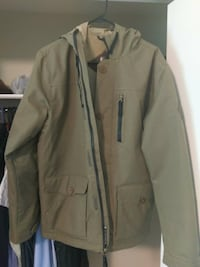 686 snowboarding jacket EXCELLENT CONDITION worn once.  Englewood, 80112