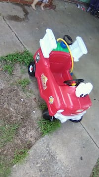 children's red and white Little Tikes ride-on toy Warner Robins, 31093