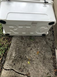 White and gray plastic container Houston, 77034