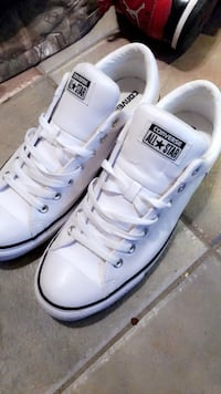 Real leather all white authentic converse brand new want to trade  Carriere, 39426