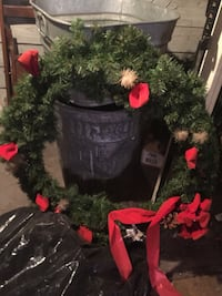 HUGE WREATH 27 inches