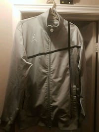 Jordan zip up jacket size large Toronto, M9W 6V3