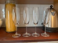 16 assorted sets of wine glasses and flutes 4 of them are crystal.  Toronto, M5N 2N9