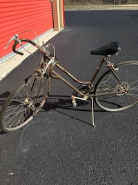 gray and black road bike Knoxville, 37924