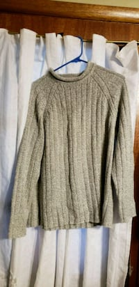 Womens sweater size XL 16/18 Madison Heights, 24572