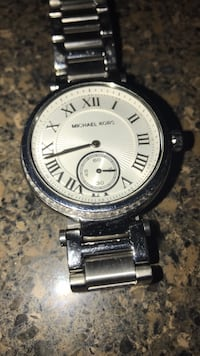 round silver-colored chronograph watch with link bracelet Washington, 20012
