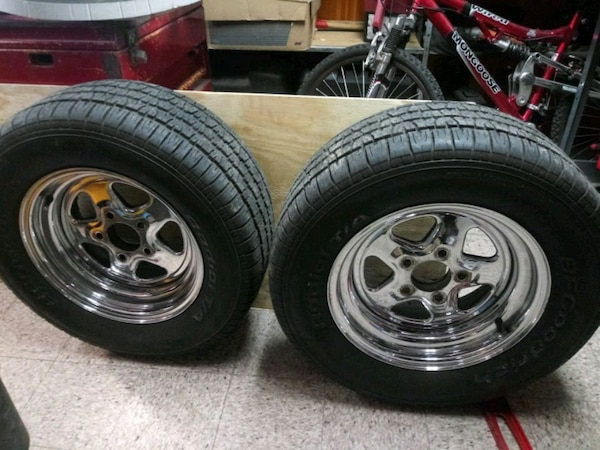 Pair of wheels 5 on 4.75 bolt pattern 245/60/15 tires