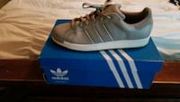 pair of gray Adidas low-top sneakers with box Houma
