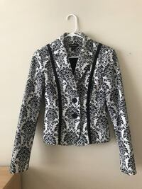 Bebe lack and white flower pattern blazer and pant suit Vancouver, V6T