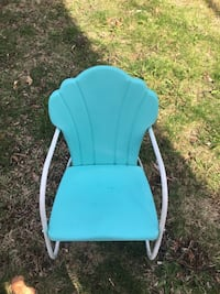 Vintage 1950s metal lawn chair child size Chelmsford, 01824