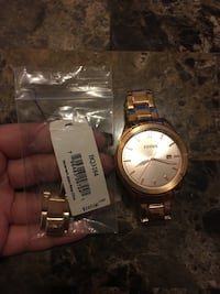 Woman's gold fossil watch Hamilton, L8M 2P9