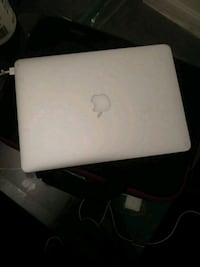 Mac Book  Alexandria